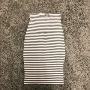 Dresses & Skirts - Gray and white pencil skirt